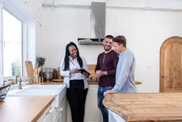 home buyers looking for real estate agent