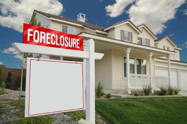 buying foreclosed home